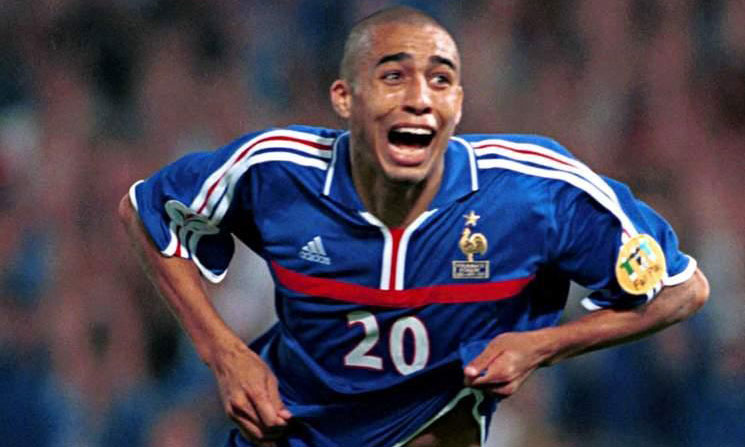 The Franco-Argentine David Trezeguet scored a golden goal that gave the European Championship 2000 to France.