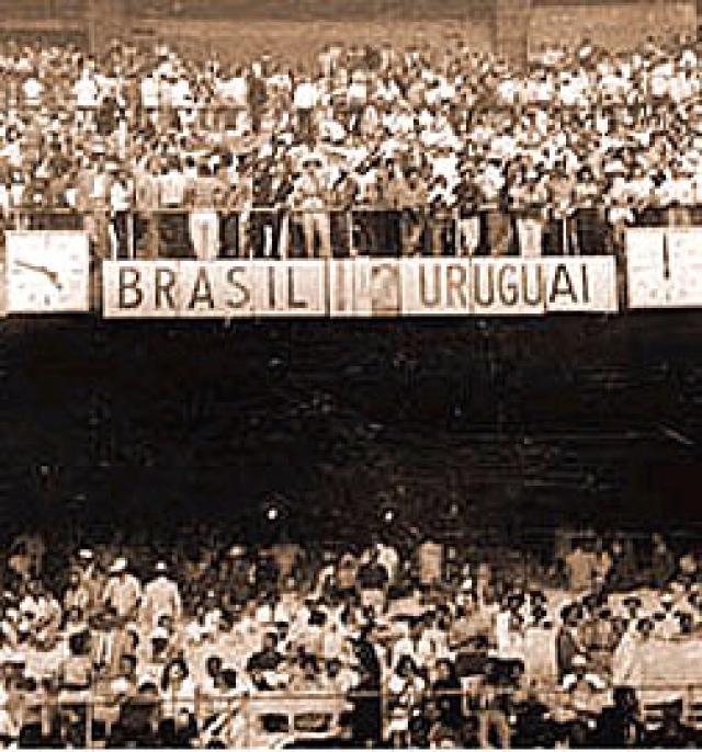 La sorpresa más grande de la historia de los Mundiales. La fiesta era tan esperada que muchas empresas brasileñas ya habían comercializado camisetas de Brasil, campeón. Esa vez, sin embargo, el cazador fue cazado y Uruguay se hizo con su segundo Mundial siguiendo su racha de imbatibilidad en campeonatos mundiales.