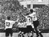 Alemania ganó 3-2 a Hungría poniendo fin a una racha de 32 partidos invicto y cuatro años sin perder de Hungría, que además dominaba 2-0 al descanso.
