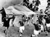Brasil ganó su primer Mundial en 1958. Además, lo consiguió fuera de su continente, algo que no había pasado hasta ese momento. En total, participaron 16 selecciones.