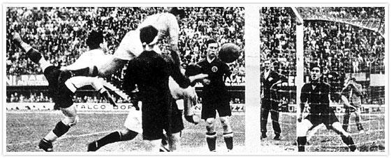 Italia marcó un polémico gol ante España con falta al portero que no vio el árbitro.