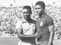 Eusebio y Pelé, dos leyendas que coincidieron en el tiempo.