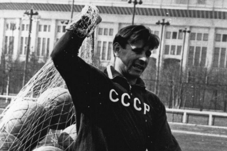 Lev Yashin, el único portero que tiene un Balón de Oro y fue en los tiempos donde el marketing no decidía en el fútbol.