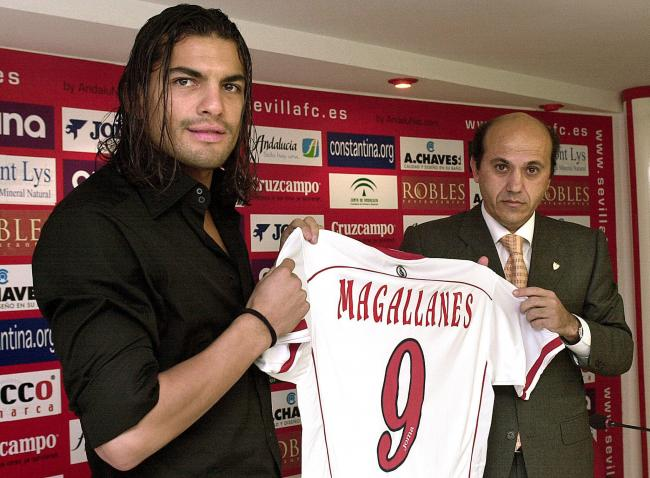 Del Nido stung and Magellan signed for Sevilla. It did not work out.