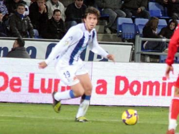 Sebastián Nayar deambula por la Segunda B.