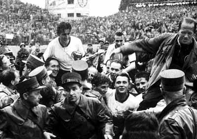 Fritz Walter fue uno de los culpables de la derrota de Hungría.