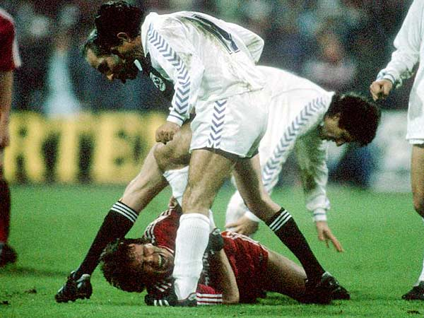 Juanito lost the papers to Lothar Matthäus.
