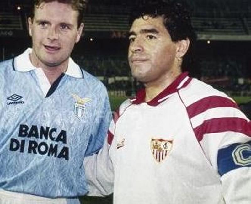 Gascoine y Maradona, dos jugadores con una vida agitada fuera del campo.