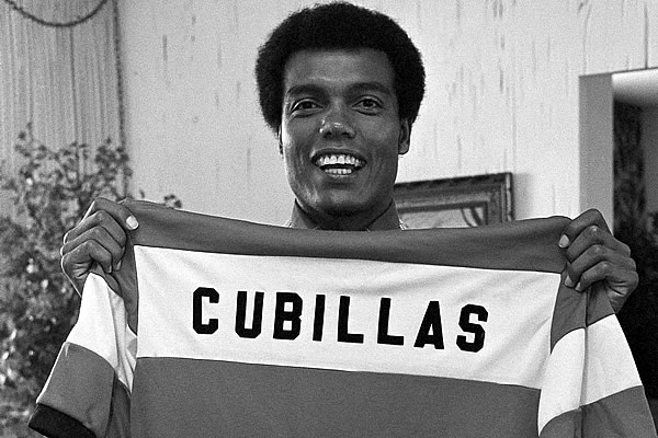 Teofilo Cubillas was one of the best specialists in free kicks history.
