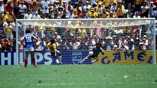 Zico missed a penalty under Platini's watchful eye, another one who missed.