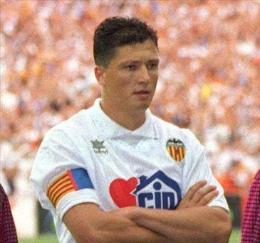 Lubo Penev llegó a ser el capitán del Valencia.