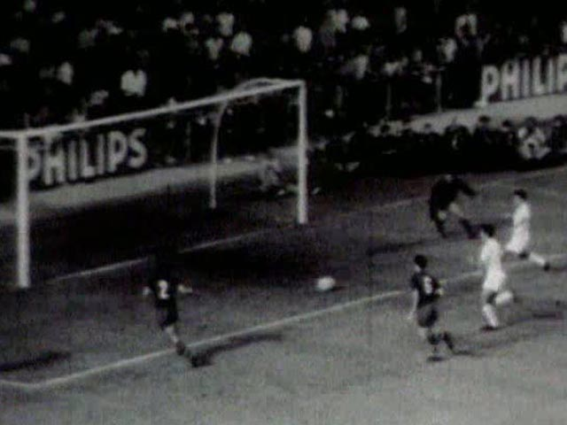 "a match for history, ""el clásico de las botellas""."