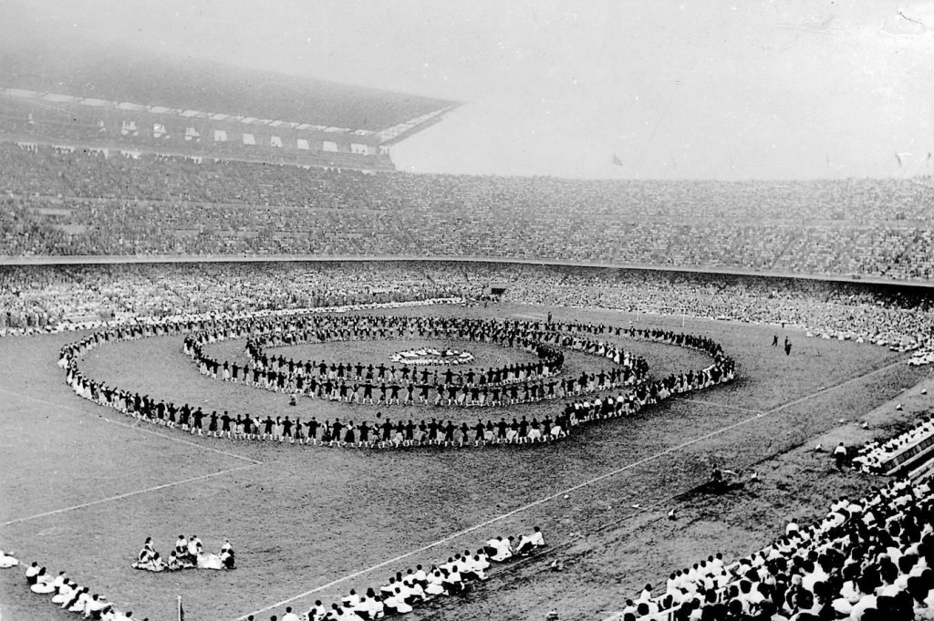 Image of the inauguration of the Camp Nou in 1957.