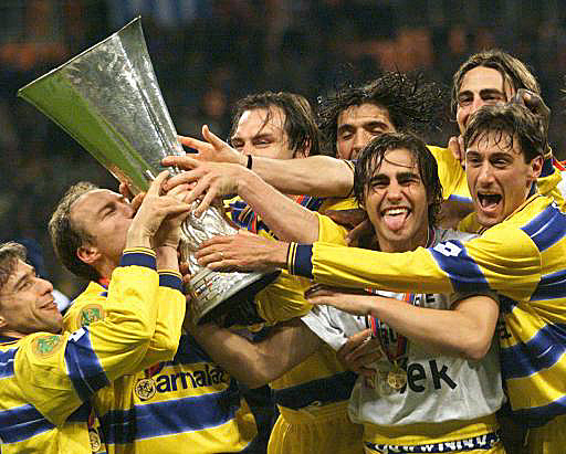 Cannavaro, Verón, Buffon, Hernán Crespo. El Parma juntó un equipo de jóvenes estrellas.