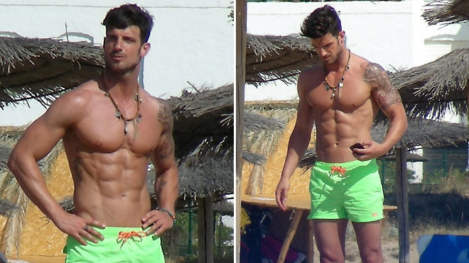 Aitor Ocio is one of those guys that attract looks.