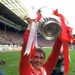Kenny Dalglish, el 7 escocés de Liverpool
