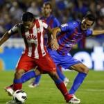 El Atlético gana 2-0 al Levante pero pierde a Falcao por un tirón muscular