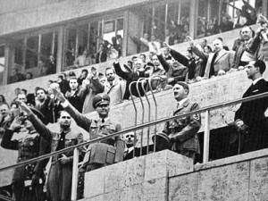Sindelar desafió a Hitler marcándo un gol y bailándole en la cara.