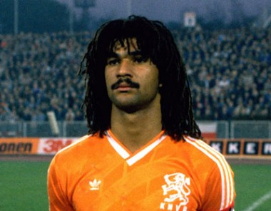 Dreadlocks and whiskers were also fashionable black players as Gullit.
