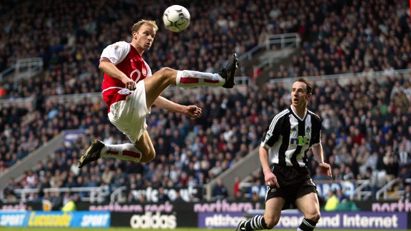 Dennis Bergkamp was afraid of flying but not on the lawn.