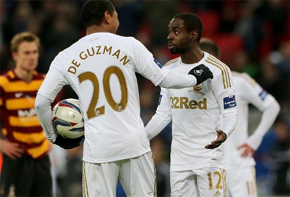 De Guzman y Dyer discuten por el penalti