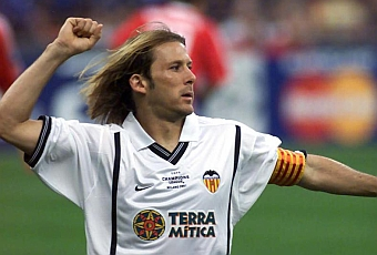 Gaizka Mendieta: one of the best players in the history of Valencia