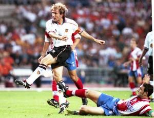 Gaizka Mendieta en la final de la Copa del Rey de 1999