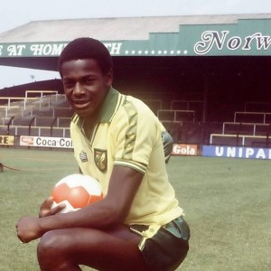 justin Fashanu, the first gay player in history