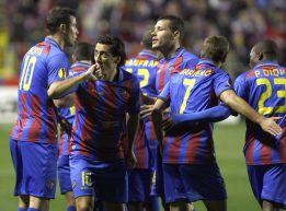 Levante 3-Olympiakos 0, Pedro Rios celebra el gol a Olympiakos