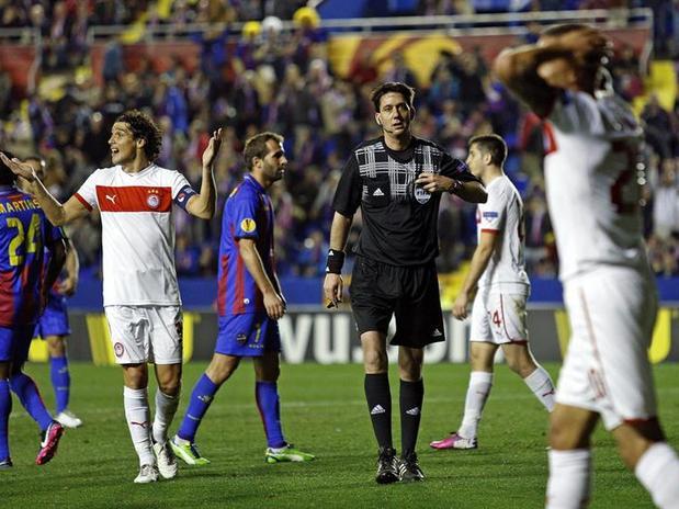 El Levante goleó al Olympiakos en la Europa League de 2013.