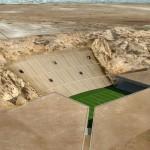 Rock-Stadion: das Stadion unter der Wüste von Abu Dhabi