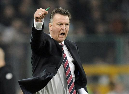 "Nunca ""positifo"" always & quot; I negatifo & quot;. Van Gaal and his Castilian particularly"