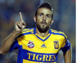 Luis García Fernández golea en Tigres ante la hinchada felina
