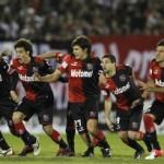 Newells Old Boys bekommen im Halbfinale der Copa Libertadores zu der Niederlage Boca Juniors bei einem Schusswechsel mit 26 Strafen
