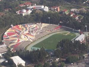 Toluca tiene un estadio para 32.000 personas bastante raro.