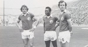 Chinaglia, Pelé y Franz Beckenbauer, tres de los jugadores de leyenda del New York Cosmos