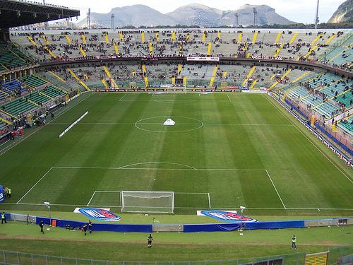 El Renzo Barbera de Palermo no suelo tener buena asistencia de público.