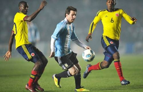 Argentina y Colombia empatan a cero en la vuelta de Messi