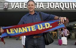 Caparrós a su llegada a Valencia