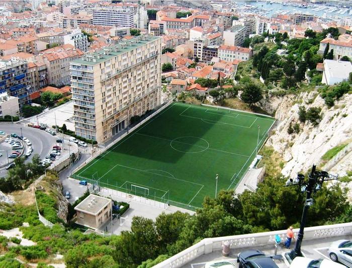 Marsella tiene un estadio muy diferente al Velódrome.