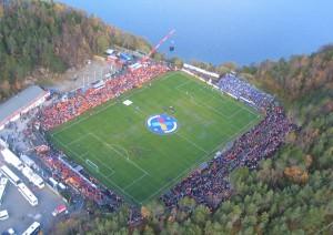 El Kramyra Stadium está ubicado en Noruega.