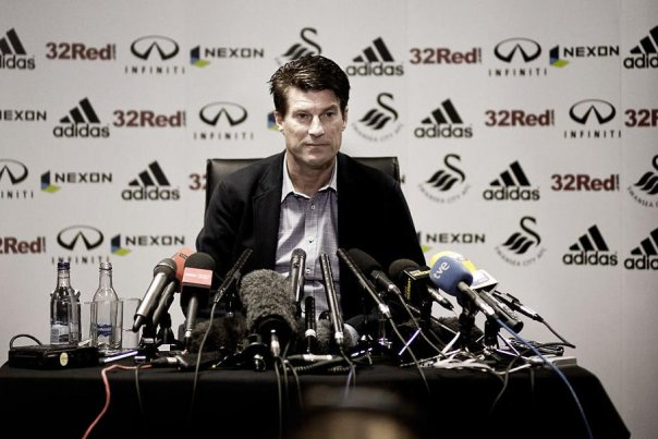 Michael Laudrup could be the new coach of Real Madrid