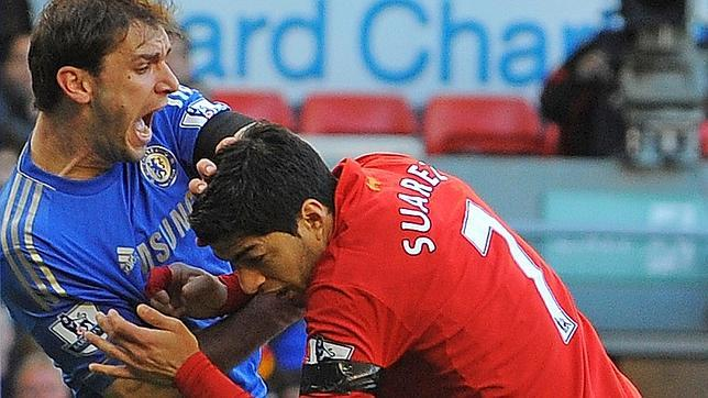 Suárez nunca ha sido expulsado pero sí sancionado por bocados.