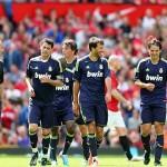 El Real Madrid gana al Manchester United en un duelo de veteranos en un Old Trafford lleno