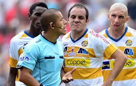 Cuauhtémoc Blanco se burló de un árbitro en su cara
