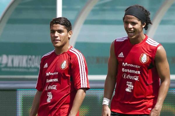 Los hermanos Dos Santos juegan en España