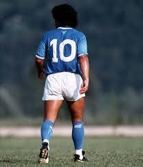 Maradona dio noches de gloria con el diez a la espalda