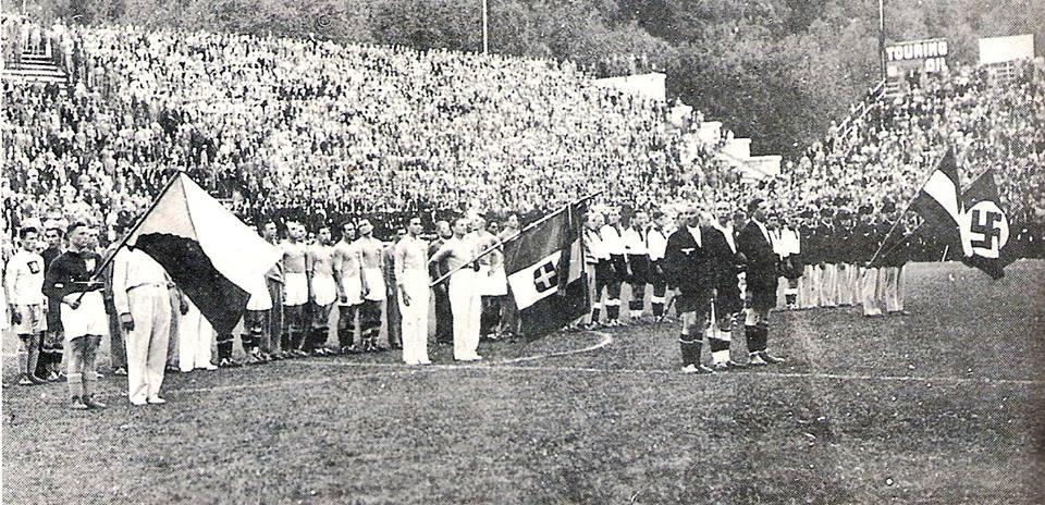 Las banderas fascistas ondeaban en todo lo alto durante el Mundial de Mussolini
