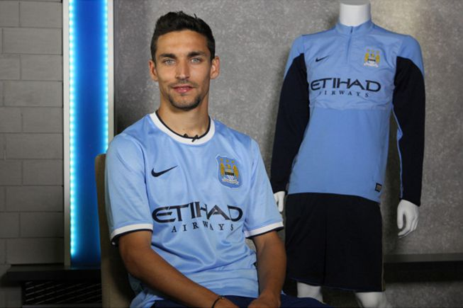 The Premier League is full of Spanish players. Virtually all teams have a Spanish player like Jesús Navas, signed by Manchester City