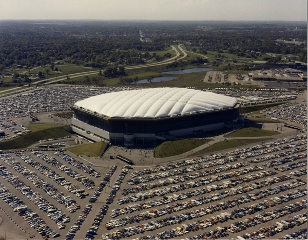 Pontiac Silverdome in Detroit's first official football match was played indoors.